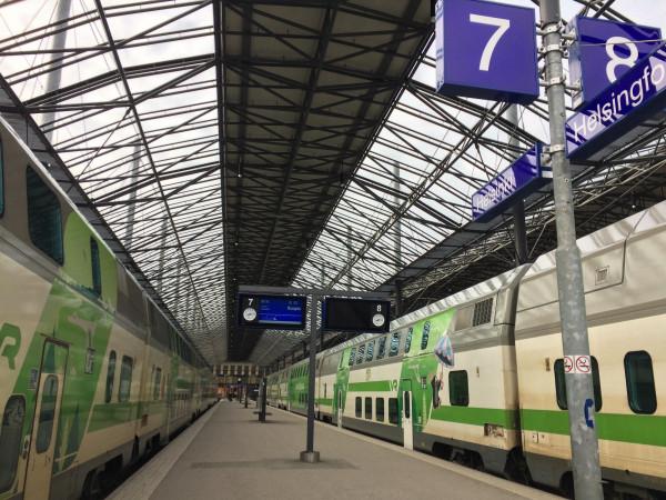 Tutut aseman kulmat, tuttu Z-juna.