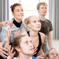 ALKEMISTI-tanssiesityksen harjoituksissa Katariina Havukainen, Heikki Ranta, Jutta Järvinen, Mikael Pelto ja Juho Keränen